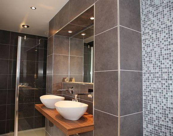 Luxury bathroom tiles uk popular brown luxury bathroom for Luxury bathroom ideas uk