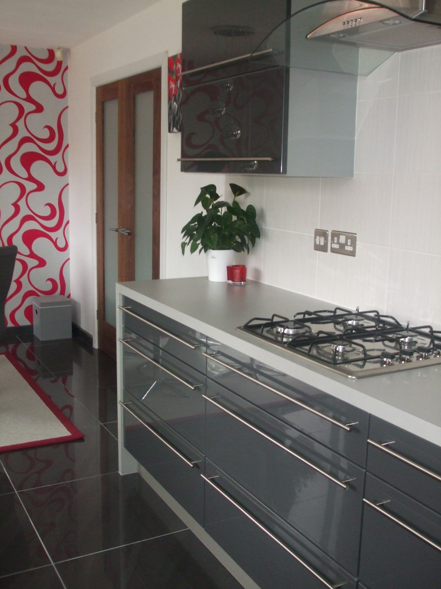 Grey Gloss Kitchens Standish Wigan - Dark grey kitchen doors