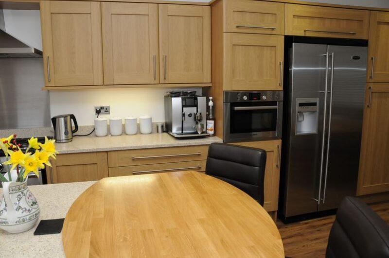 Solid Wood And Quartz Worktops Standish Ck Installations