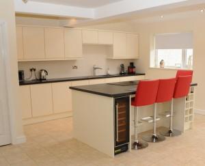 handleless gloss kitchen